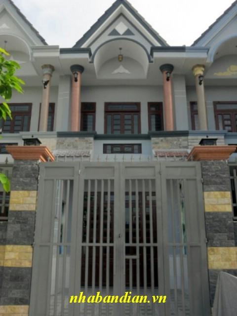 Dĩ An bán nhà lầu 78m2 gần đường Lê Văn Tiên giá 830 triệu