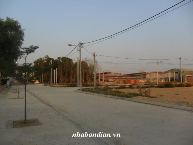 Bán đất dĩ an 150m2 đường nhựa 8m gần Hội trường Đông Hòa giá 750 triệu