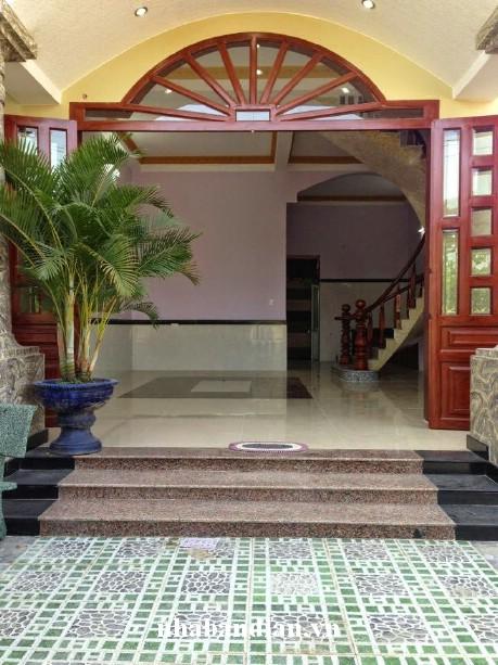 Bán nhà cạnh đường Trần Hưng Đạo 261m2  giá 1ty700triệu