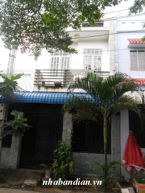 Bán nhà lầu 60m2 đường 7m gần Bệnh Viện thị xã Dĩ An giá 770 triệu