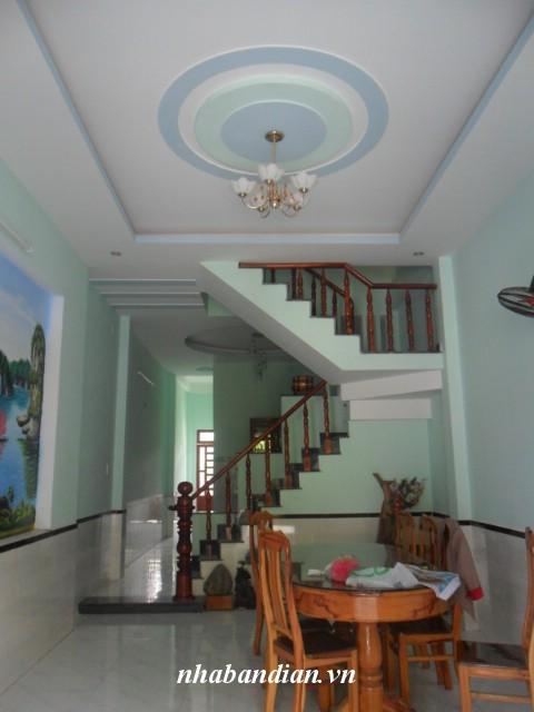 Bán nhà lầu gần ngã tư Chiêu Liêu giá 960 triệu