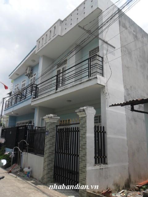 Bán nhà lầu 60m2 phường Đông Hòa giá rẻ 880 triệu