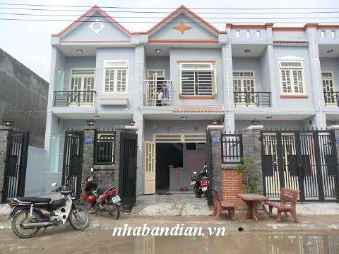 Bán nhà lầu gần đường Trần Quang Khải giá 950 triệu