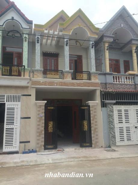Bán nhà lầu đẹp trong khu dự án đường 10m gần chợ, trung tâm hành chính