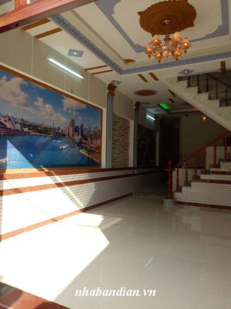 Bán nhà mặt tiền đường kinh doanh Nguyễn Hữu Cảnh giá 2 tỷ 200 triệu