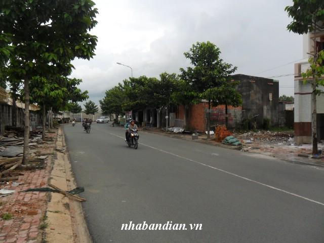Bán đất mặt tiền đường ĐT-743 gần Bệnh viện thị xã Dĩ An giá 15 triệu/m2