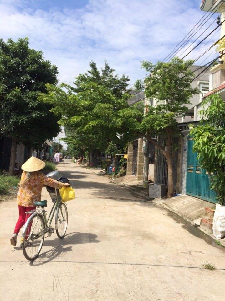 Bán nhà lầu hướng Đông Nam gần bệnh viện Dĩ An