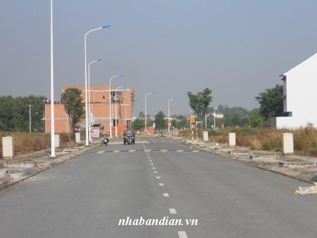 Bán đất 100m2 trong khu dân cư Biconsi gần cổng KCN Tân Đông Hiệp A,B