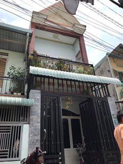 Bán nhà lầu và 3 phòng trọ gần chợ xóm vắng