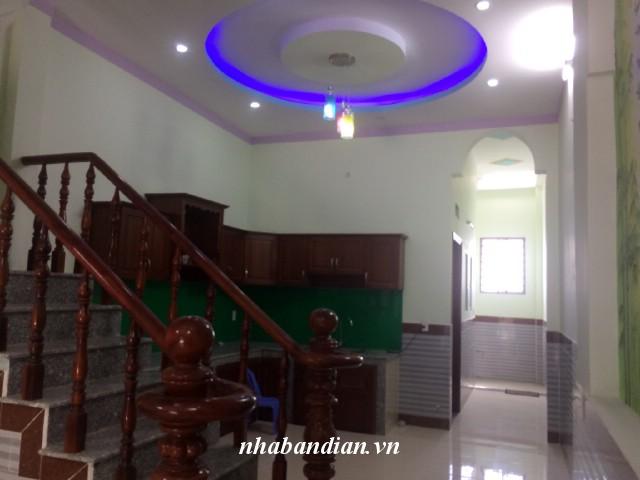 Bán nhà lầu đẹp ở Ngã Ba Đông Tân đường ĐT-743 giá 1 tỷ 650 triệu