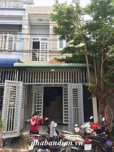 Bán nhà lầu đẹp khu dân cư đường 7m ở gần Bệnh viện thị xã Dĩ An