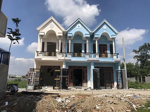 Bán nhà lầu đẹp gần chợ Tân Long giá 1 tỷ 650 triệu