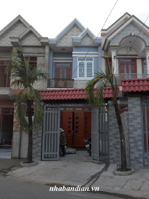 Bán nhà dĩ an 92m2 mặt tiền đang kinh doanh giáp đường Trần Hưng Đạo