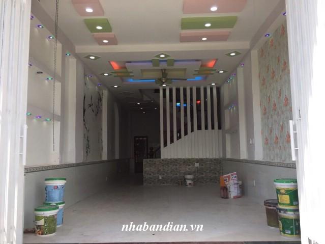 Bán nhà dĩ an 2 lầu trong khu dự án đường 10m gần Ngã Tư 550