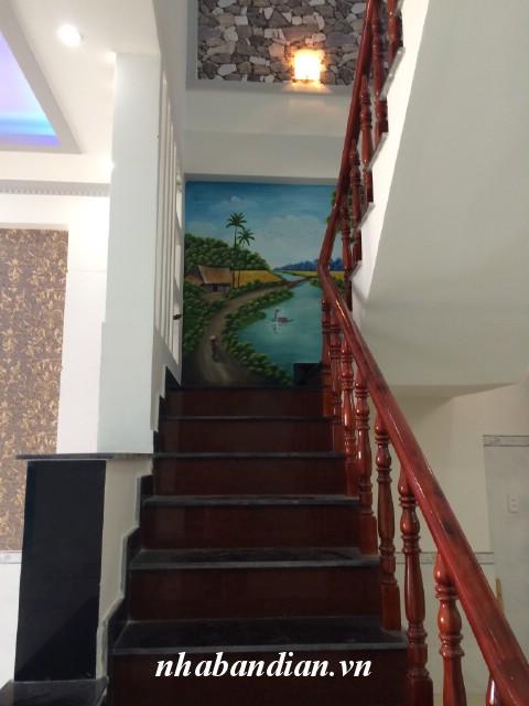 Bán nhà lầu 100m2 trong KDC Ngã tư Bình Thung đường Mỹ Phước – Tân Vạn