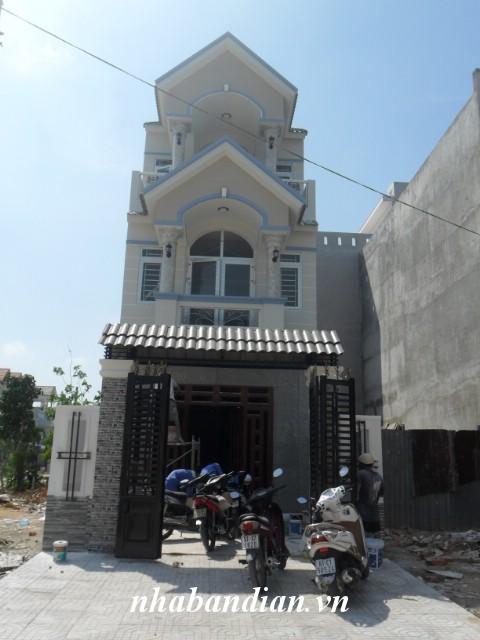 Bán nhà 2 lầu 100m2 trong KDC Tân Đông Hiệp gần Quốc Lộ 1K