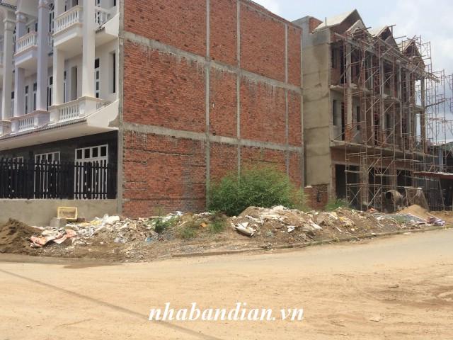 Bán đất hai mặt tiền nhựa 106m2 gần ngay KCN Dapak Hai Bà Trưng  giá 1 tỷ 700 triệu.