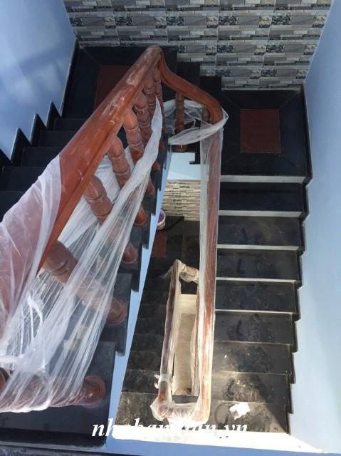 Bán biệt thự hai mặt tiền 1 trệt 2 lầu 100m2 gần chợ Tân Long cách đường ĐT-743 khoảng 500m