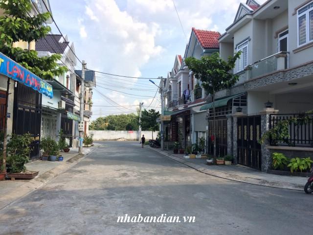 Bán nhà phố cao cấp trong khu dân cư đường 10m ngay Quốc Lộ 1K