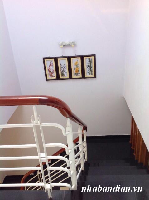 Bán nhà lầu 50m2 gần ngay Ngã Ba Cây Điệp gần Ủy ban nhân dân pường Tân Đông Hiệp
