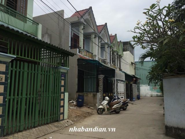 Bán nhà lầu 80m2 đường Trần Hưng Đạo vào 100m gần chợ Dĩ An 1