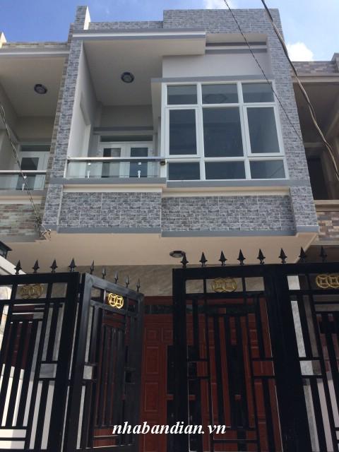 Nhà lầu đẹp mới xây vị trí trung tâm phường gần trường tiểu học và Hội trường mới Đông Hòa