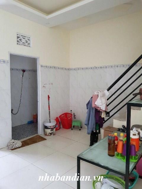 Bán nhà lầu 38m2 gần trường học Đông Hòa đường Nguyễn Hữu Cảnh vào 300m