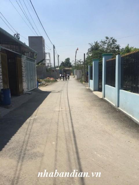 Bán nhà dĩ an giá rẻ xây một lầu đường thông ngay Ngã Ba Cây Điệp