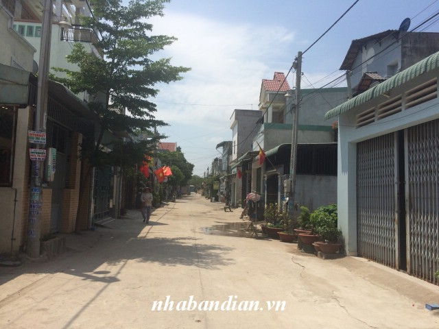 Bán nhà dĩ an 100m2 trong khu dân cư gần Bến xe Tân Đông Hiệp