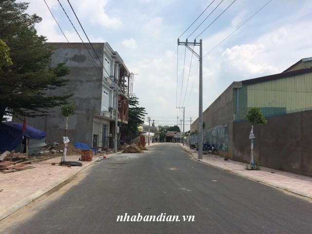 Bán nhà biệt thự đẹp xây hai lầu ở trung tâm phường Tân Đông Hiệp