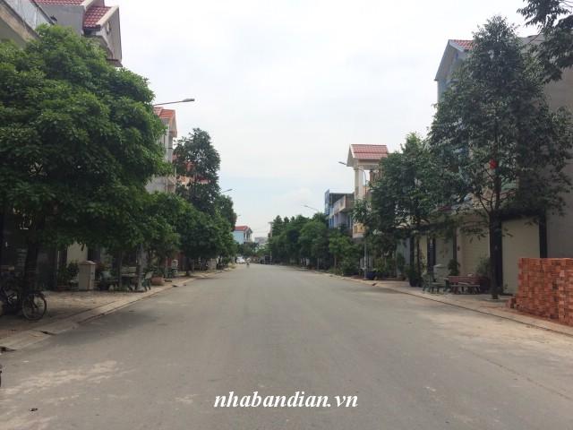 Bán nhà lầu 2 tấm đẹp Khu đô thị phường Dĩ An gần ngay Ngã Tư 550