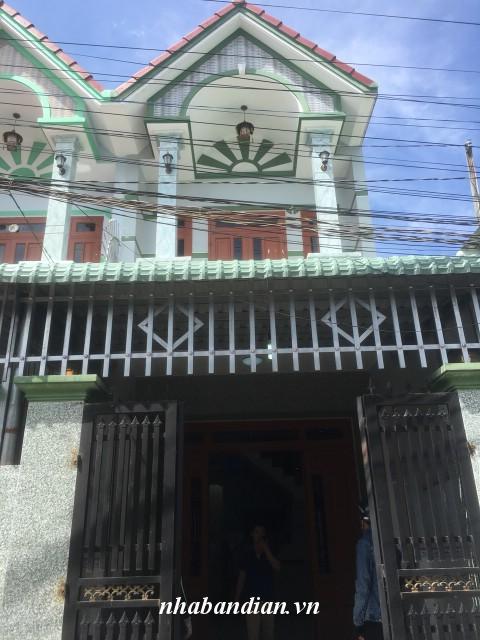 Bán nhà lầu sân xe hơi 80m2 giáp ngay đường Hai Bà Trưng Bệnh viện thị xã Dĩ An