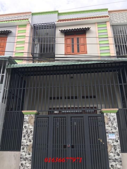 Bán nhà dĩ an 1 trệt 1 lầu nằm trên đường lớn Hai Bà Trưng