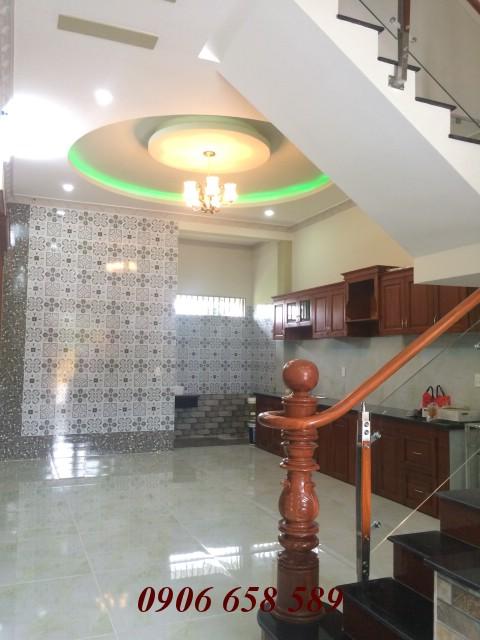 Bán nhà mặt tiền kinh doanh xây 2 lầu 83m2 gần Ngã Ba Cây Lơn