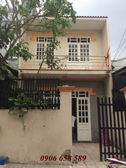 Bán nhà cấp 4 diện tích 109m2 gần Hội trường nhân dân Đông Hòa giá rẻ