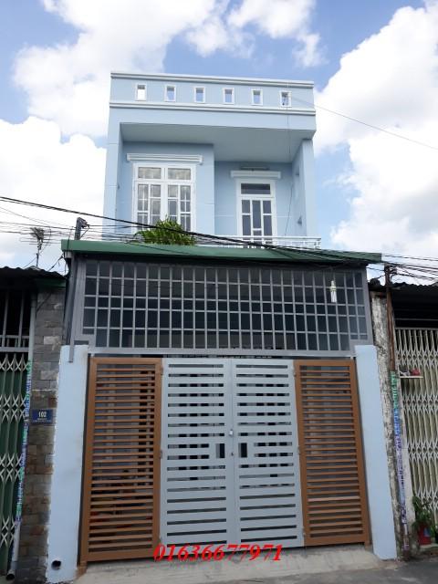 Bán nhà Dĩ An 1 trệt 1 lầu nằm trên đường lớn Phan Bội Châu