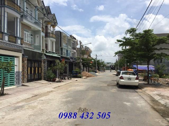 Bán nhà phố 90m2 sân xe hơi Khu dân cư Tân Đông Hiệp gần Ngã Tư 550