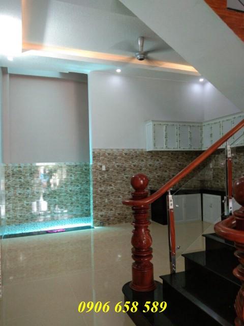 Bán nhà lầu 90m2 xây hiện đại gần Ngã Tư Bình Thung