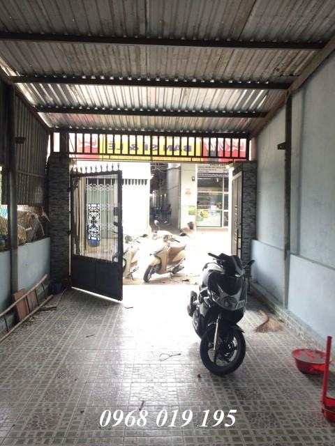 Bán nhà 82m2 mặt tiền kinh doanh tốt có sân rộng  đường Lê Văn Tiên