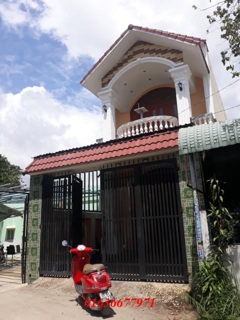 Bán nhà Dĩ An 1 trệt 1 lầu có diện tích 100m2 nằm trên đường Trần Thị Xanh