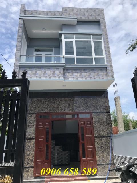 Bán nhà lầu đẹp 93m2 gần Hội trường nhân dân Đông Hòa