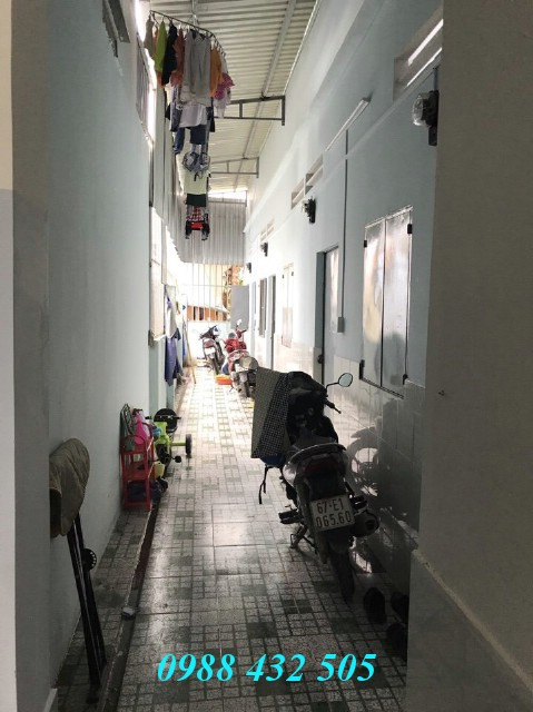 Bán nhà lầu và 4 phòng trọ 150m2 gần Ngã Tư Đường Mồi