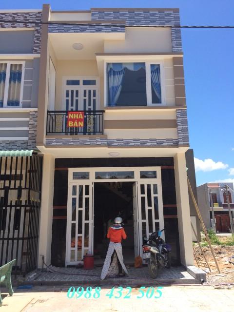 Nhà bán dĩ an mặt tiền đường nhựa giáp đường Lê Hồng Phong