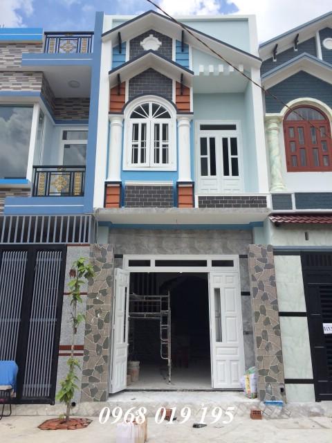 Nhà phố hiện đại mới xây một lầu gần KCN Đồng An và Sóng Thần