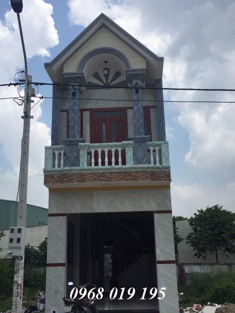 Bán nhà phố hiện đại gần ngay KCN Đồng An