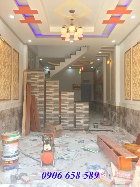 Bán nhà lầu đẹp 72m2 gần Ngã Ba Cây Lơn