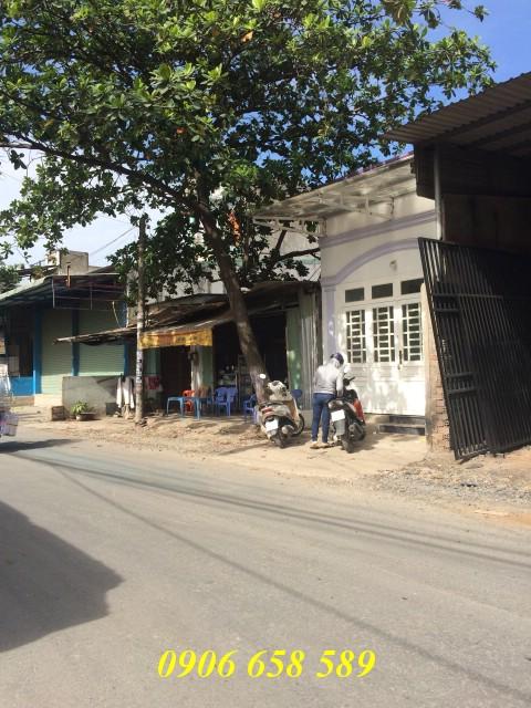 Bán nhà mặt tiền đường nhựa 100m2 gần KCN Kính Nổi