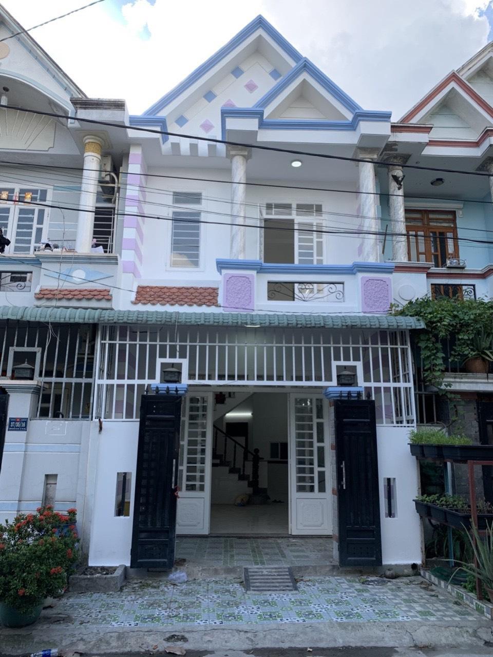 Nhà phố ngay đường Nguyễn Thị Chạy, Dĩ An